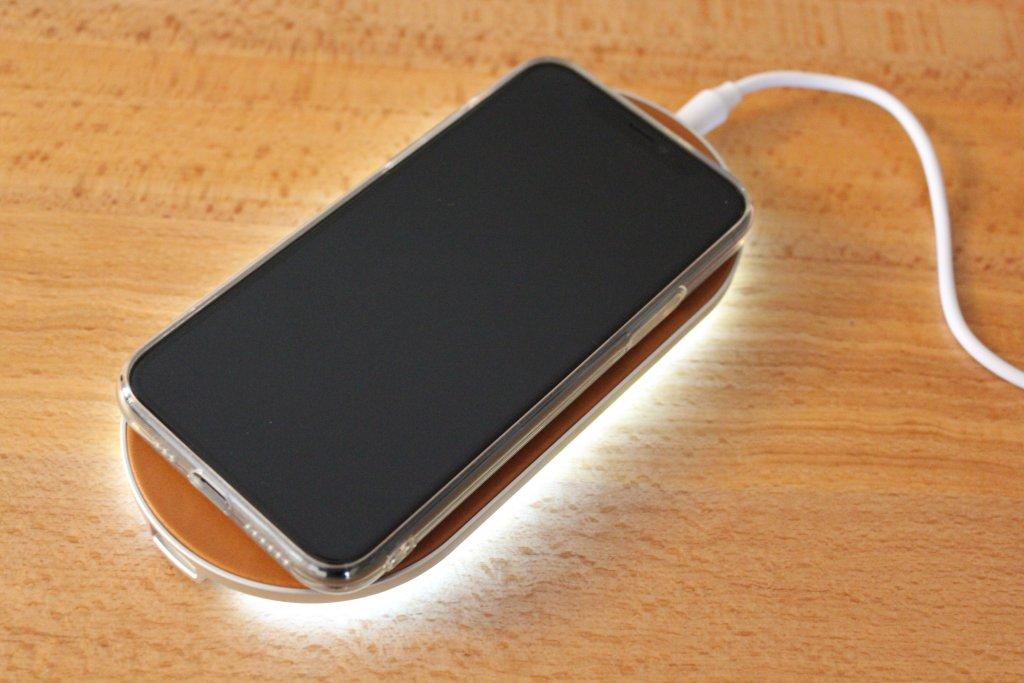 ENETREE 高速ワイヤレス充電器 EWCP01 スマホケース