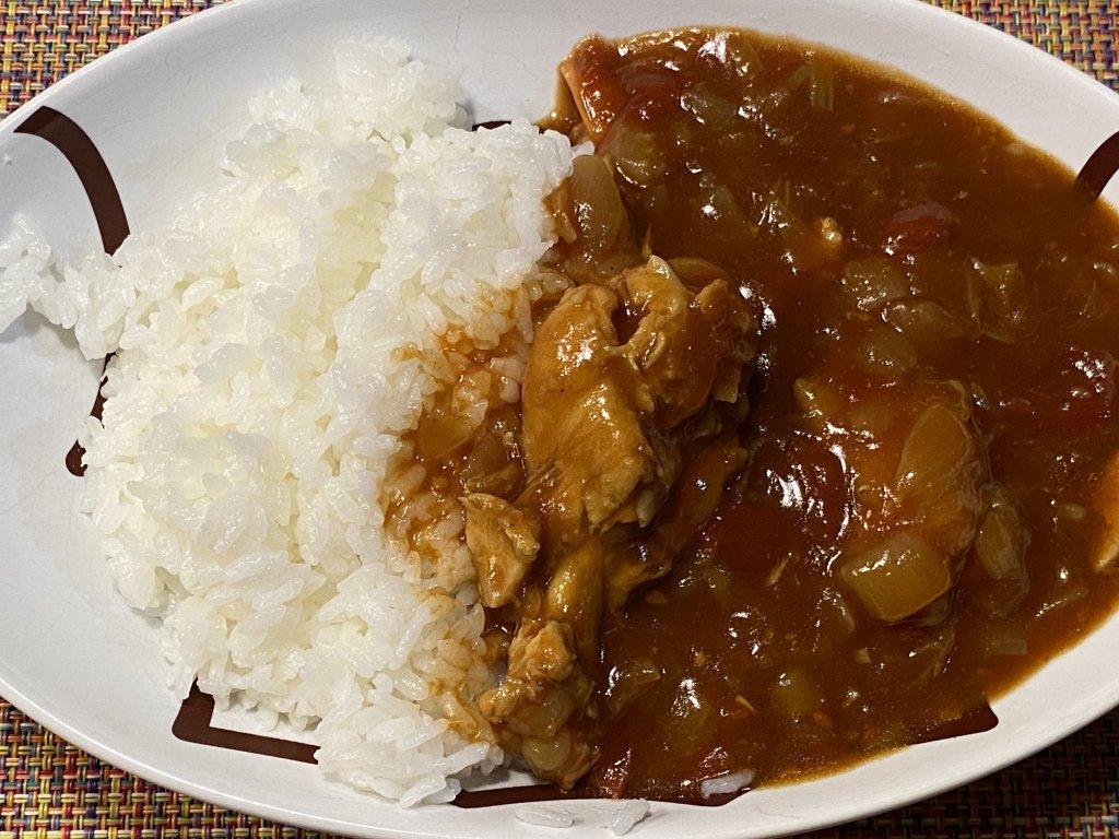 チキンと野菜のカレー(無水カレー)【ヘルシオ ホットクック KN-HW16E】 お皿