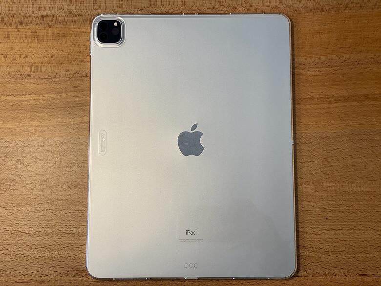 ESR iPad Pro 12.9 ケース 2020 クリア 装着時裏面