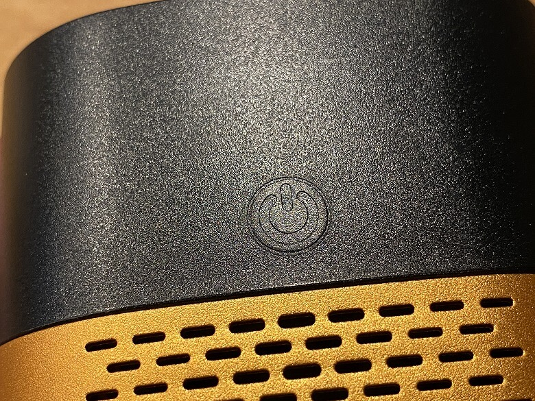 LUFT Cube 電源ボタン