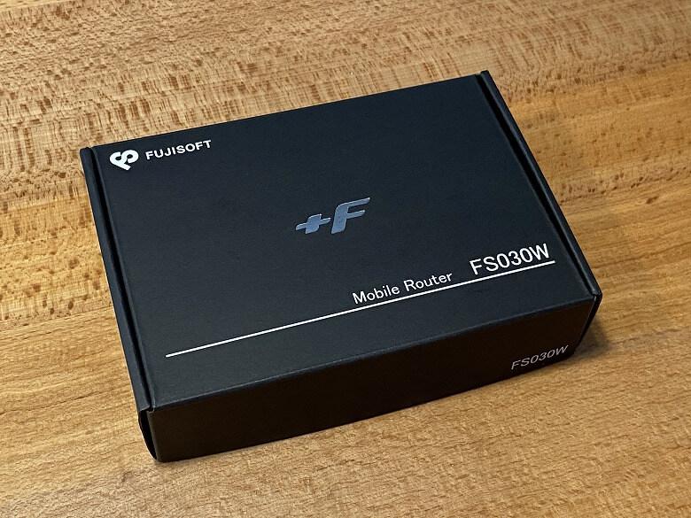 富士ソフト +F FS030W 外箱