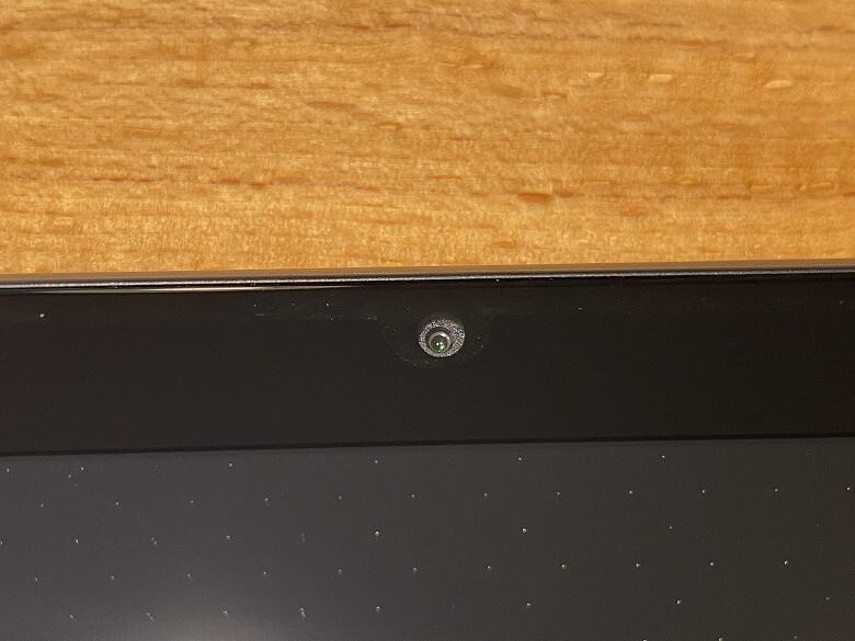 Dragon Touch NotePad 102 フロントカメラ