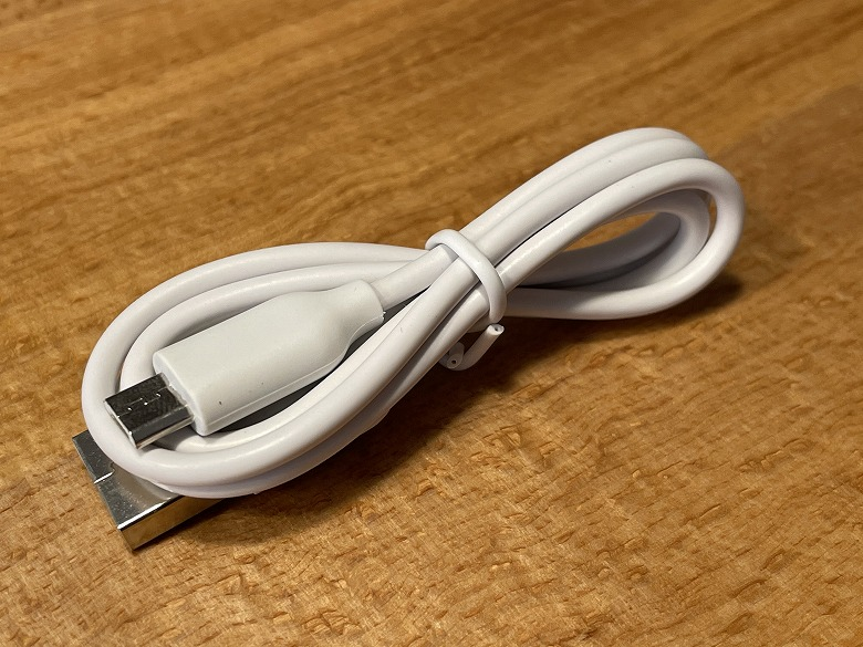 Anker Astro E1 5200 USBケーブル