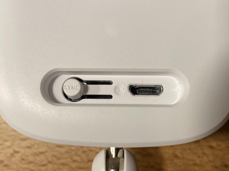 Eufy IndoorCam 2K SYNCボタンとUSBポート