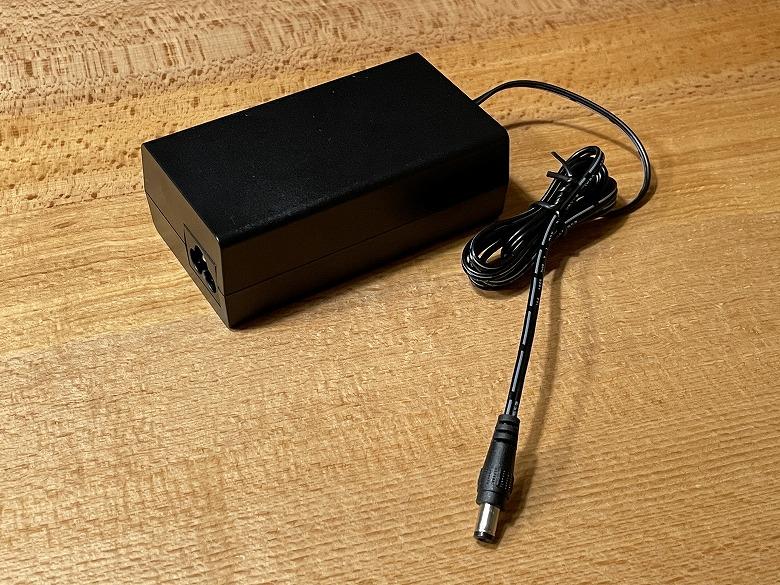 TP-Link TL-SG1005LP 電源アダプター