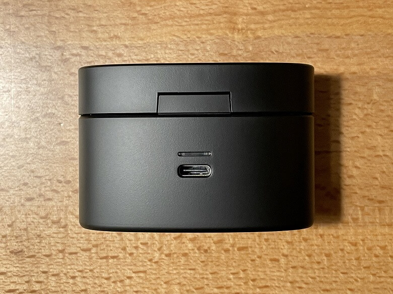 radius HP-V700BT 充電ケース背面